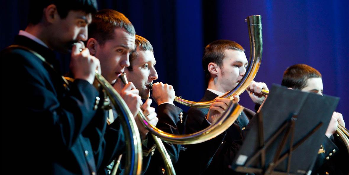 Фанфарный роговой оркестр