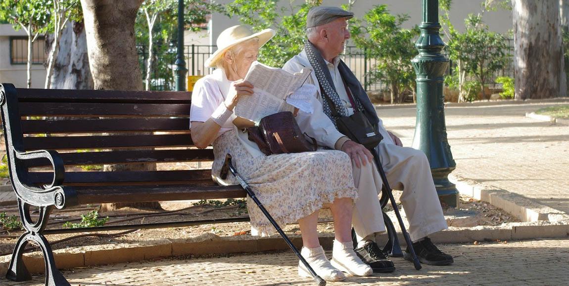 пенсионеры старость отдых пиксабай