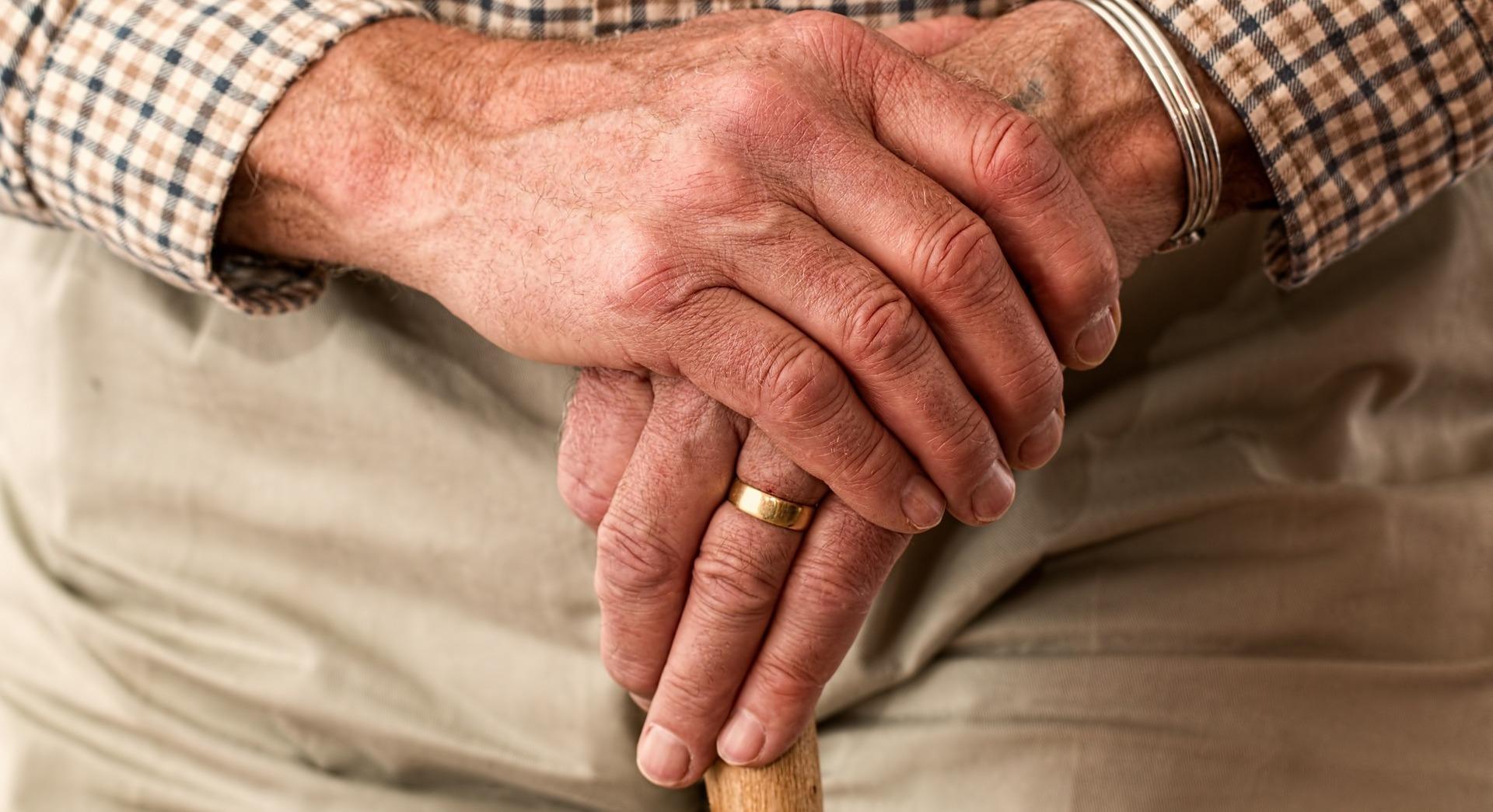 старики руки пиксабай