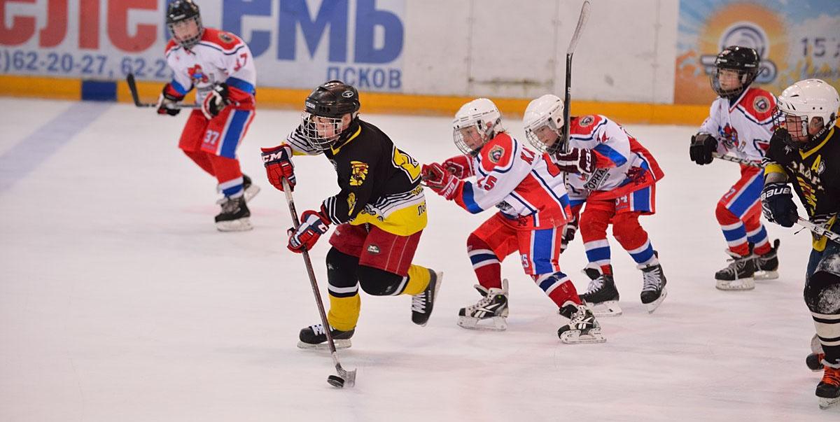 детский хоккей хоккеист лед шайба