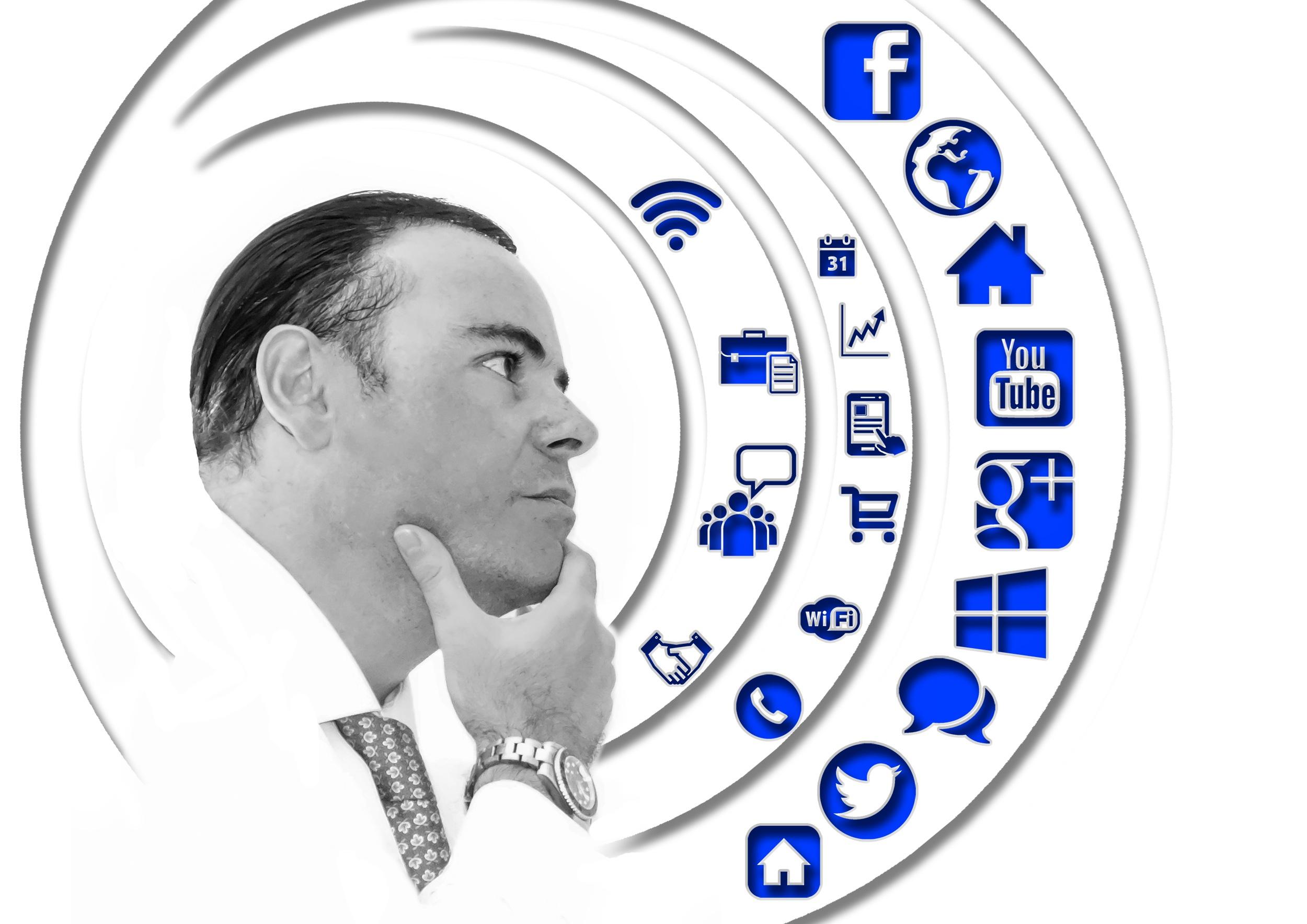 Чиновник-Интернет пиксабай