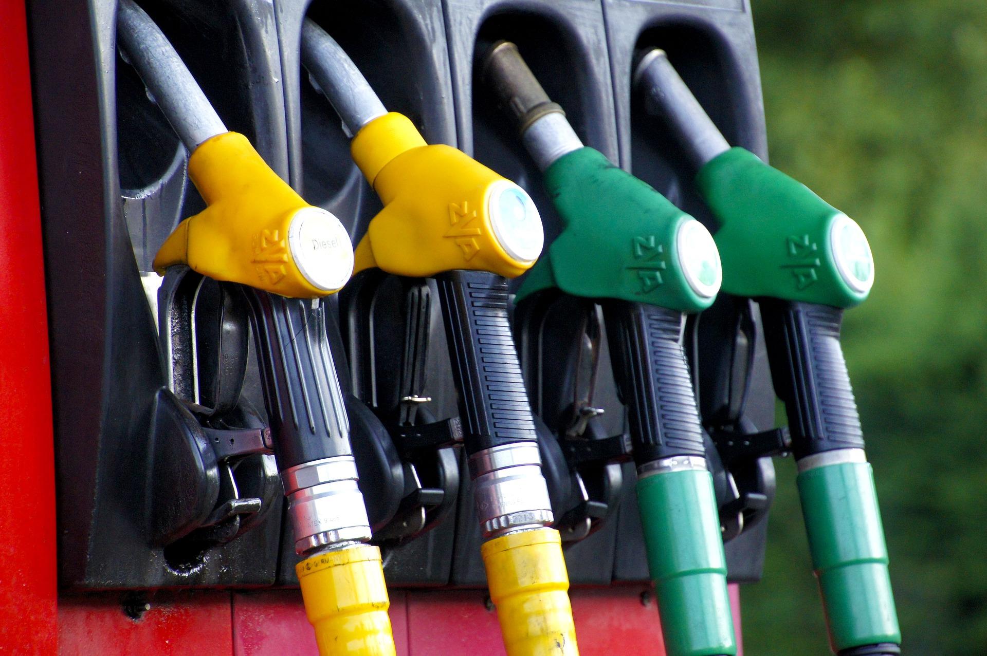 бензин пиксабай