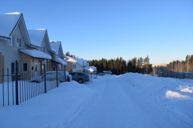 Котлован находится в непосредственной близости от домов
