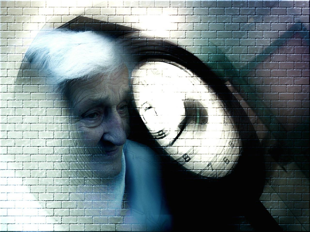 старик болезнь инвалид пиксабай (3)
