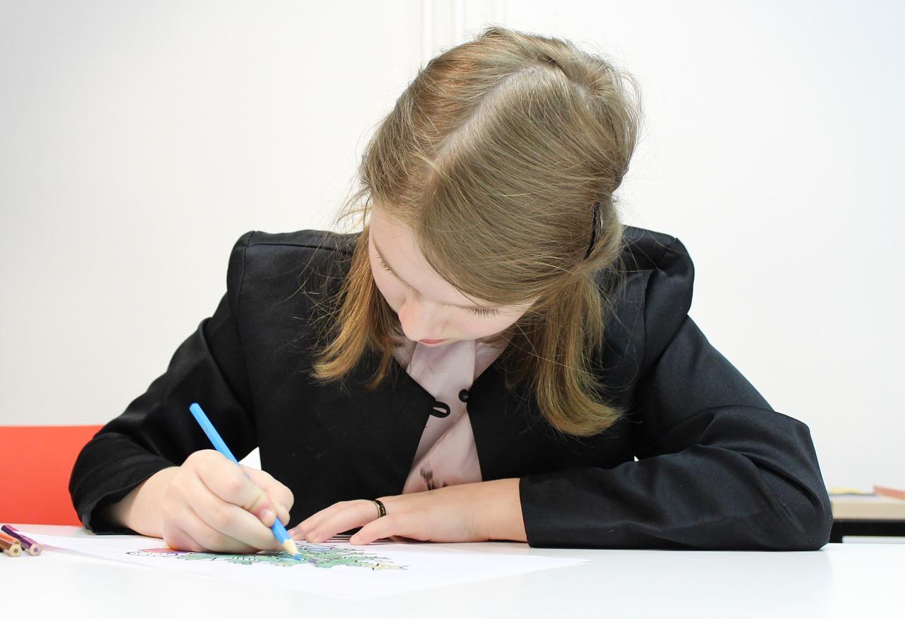 девочка школьница Пиксбэй