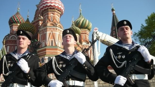 Алексей и Евгений на параде в Москве