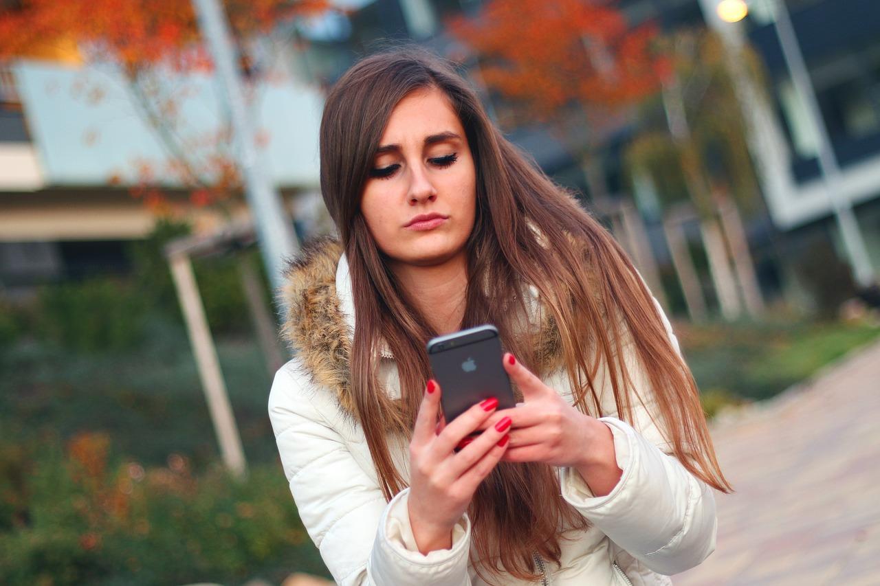 smartphone-569076_1280-1