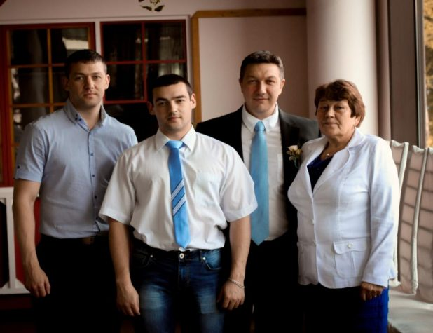 Валентина Трофимовна турченкова с сыновьями, 2016 год