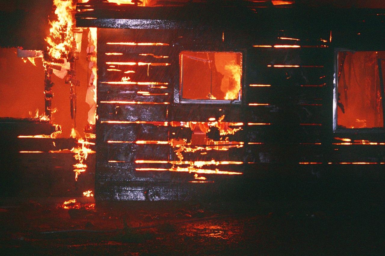 дом дача пожар piksabaj