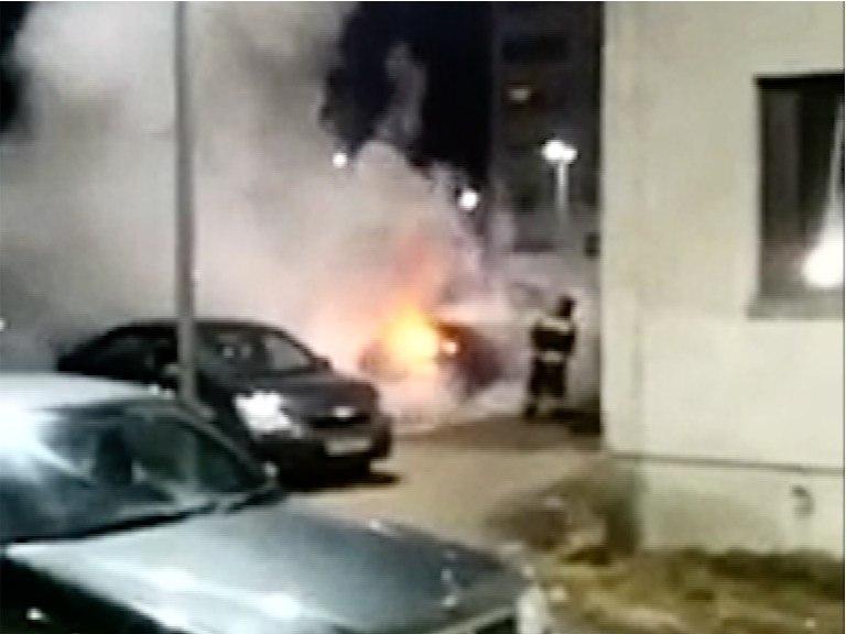пожар авто на Горняков 2б