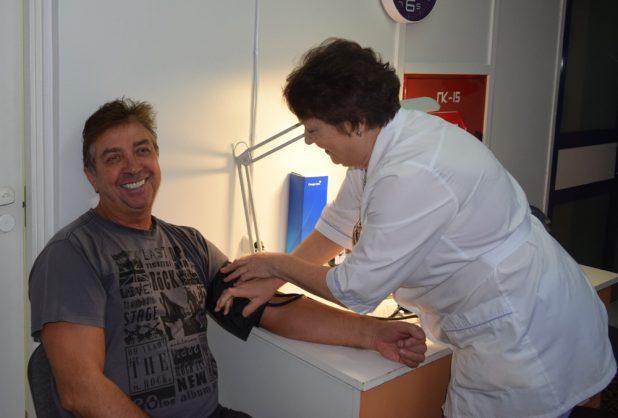 Такие счастливые пациенты приходят повторить процедуру