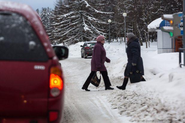 Город зима переход пешеходы