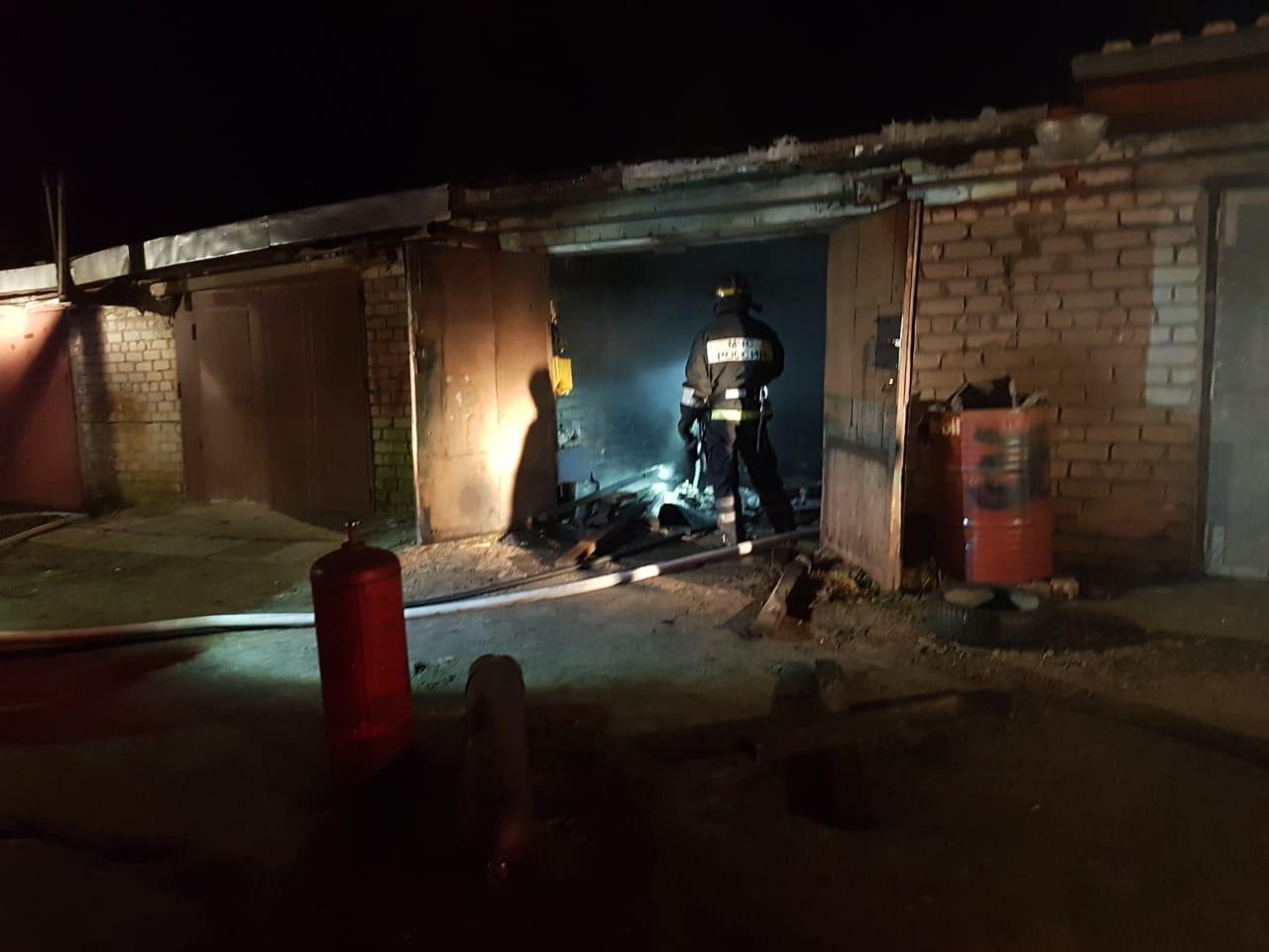 Костомукша пожар гараж НПЗ МЧС