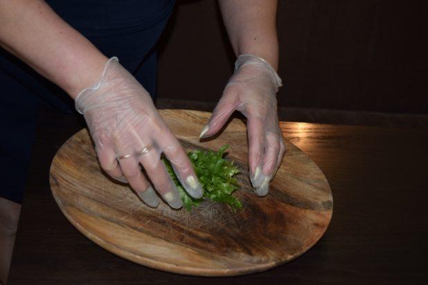 Выкладываем овощную подушку
